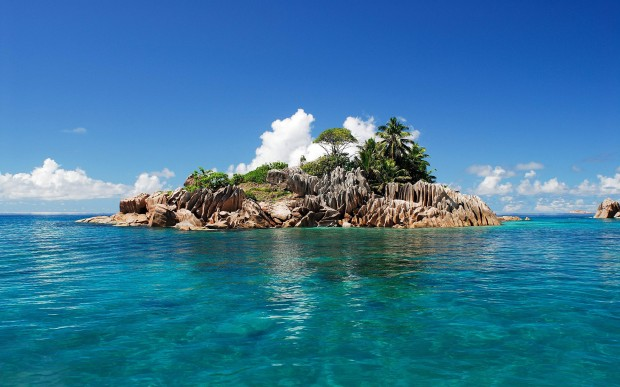 Deserted Tropical Island: Top 5 Places To Spend New Year's Eve