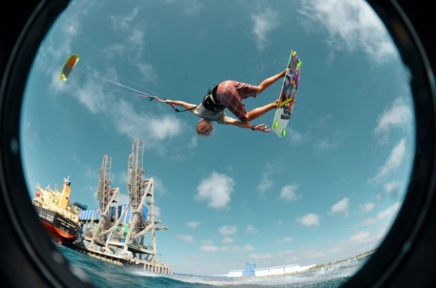 kitesurf-kite surf photo-kite surf australia photo-kite surf jump photo