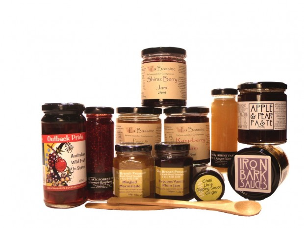 Pantry-Hamper-Gift-Box-from-Delectable-Gifts-jams-preserve-sauces-Breath-wild-fruits