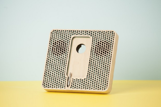 Wood-Music-System-iPhone